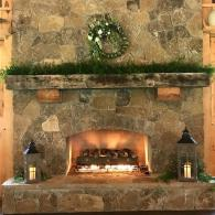 Winter Fireplace garland with a wreath at Silver City Farm