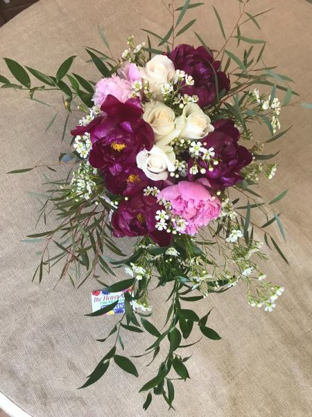 Peonies and rose bouquet ]