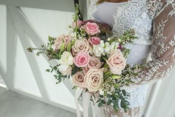 blush and pink is always a favorite bride's Bouquet